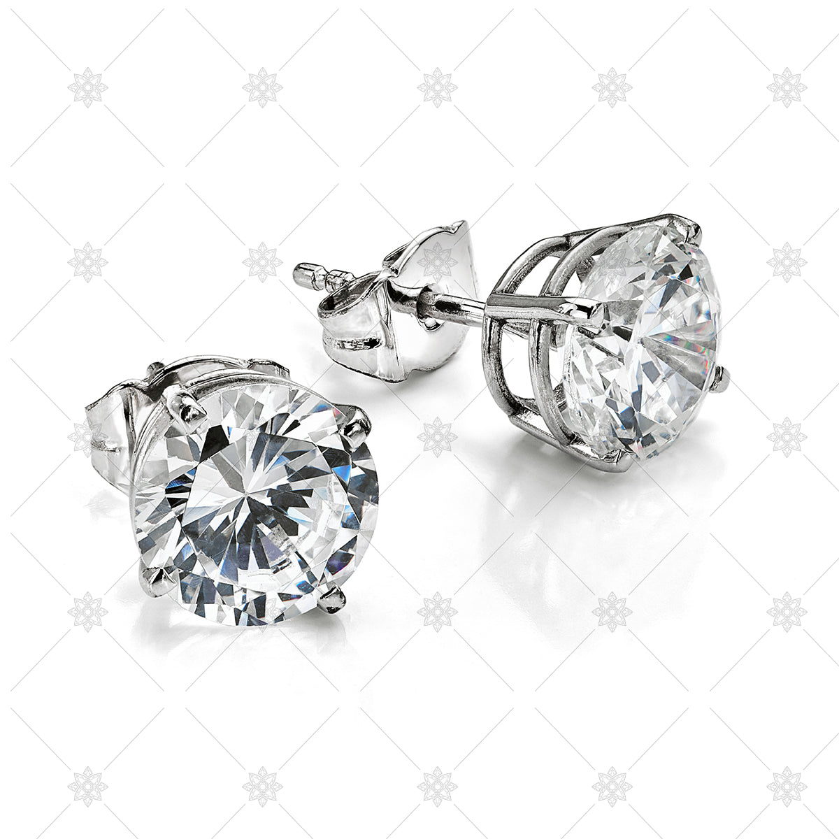 Solitaire earrings in white gold