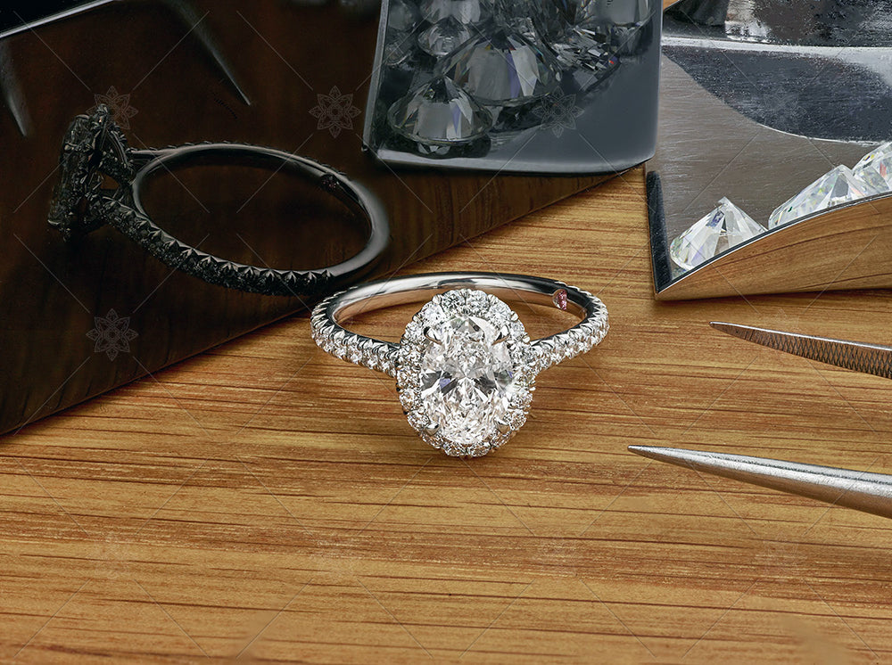 oval diamond and halo ring closed box