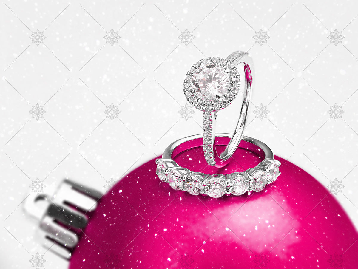 christmas rings on pink bauble