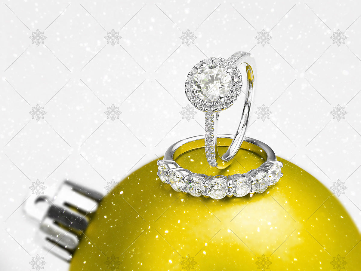 christmas rings on yellow bauble