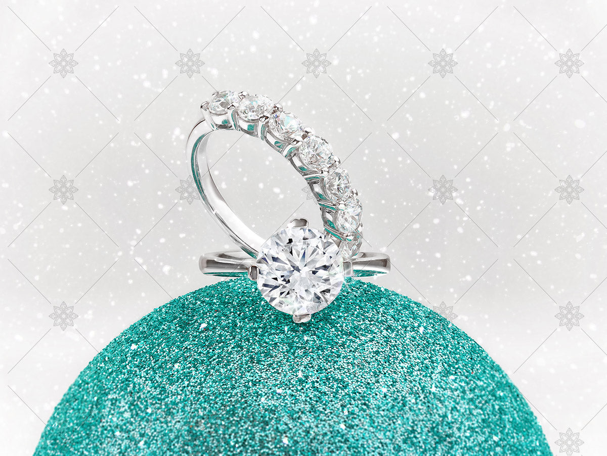 winter diamond rings on green bauble