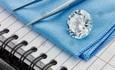 Round Diamond on Blue cloth  - MJ1035