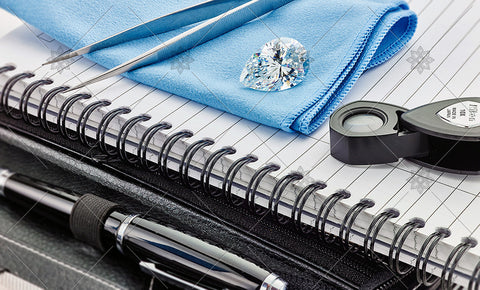 Pear Diamond on Blue cloth scene  - MJ1043
