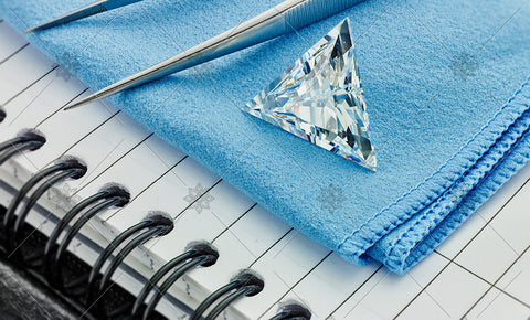 Trilliant Diamond on Blue cloth  - MJ1042