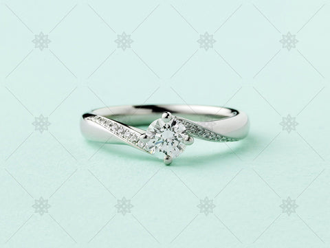 Green Diamond Set Shoulder Ring - MJ1033c
