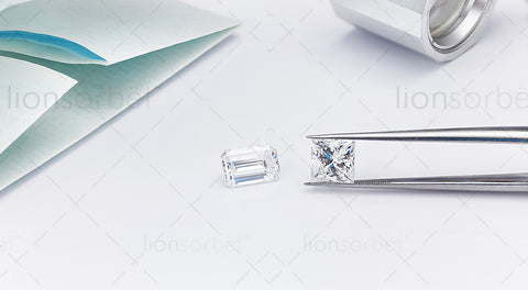 2ct Emerald and Princess Cut Diamonds - MJ1009