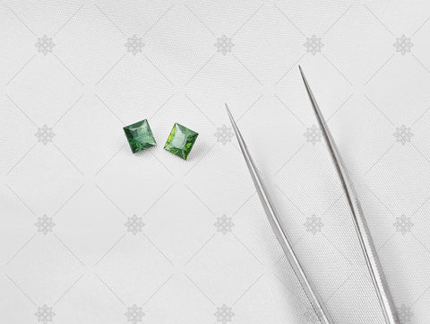 Square cut green sapphires - MJ1061