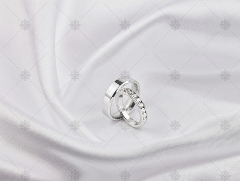 Bride and Groom ring on white silk - NC1020
