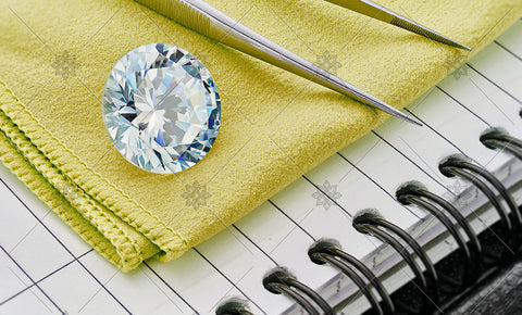 Round Diamond on Yellow cloth  - MJ1045