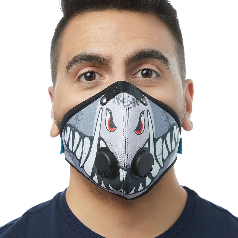 Front view of man wearing RZ M2 Nylon A10 Warthog mask shell