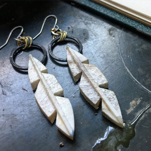 Flight Earrings Black