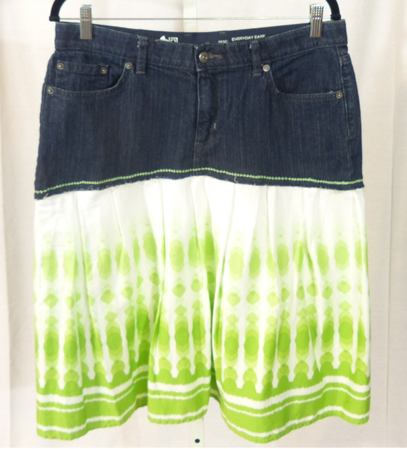 Liz Claiborne w/Green Skirt