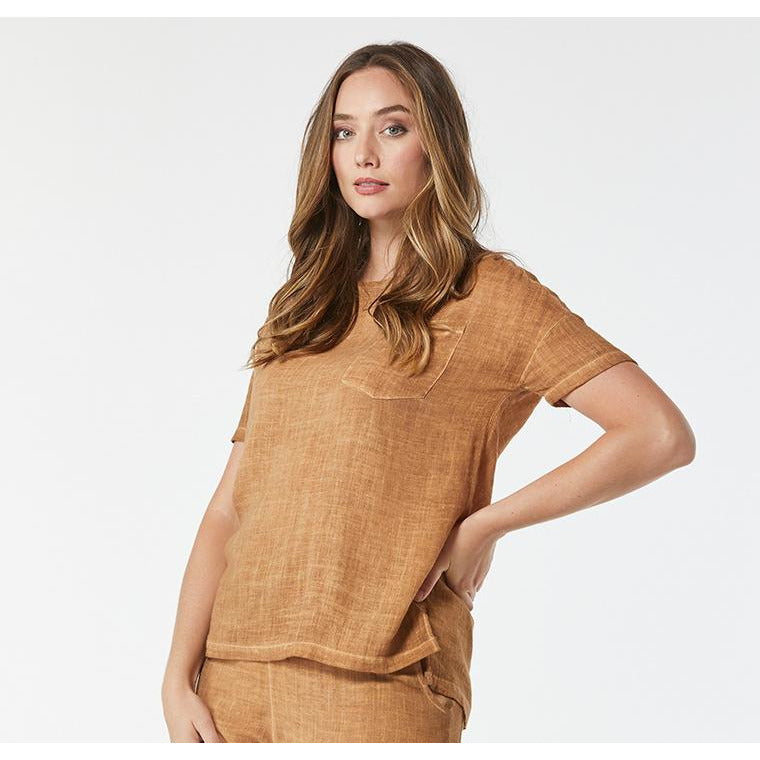 365 Days Pocket Linen Tee Top in Chestnut