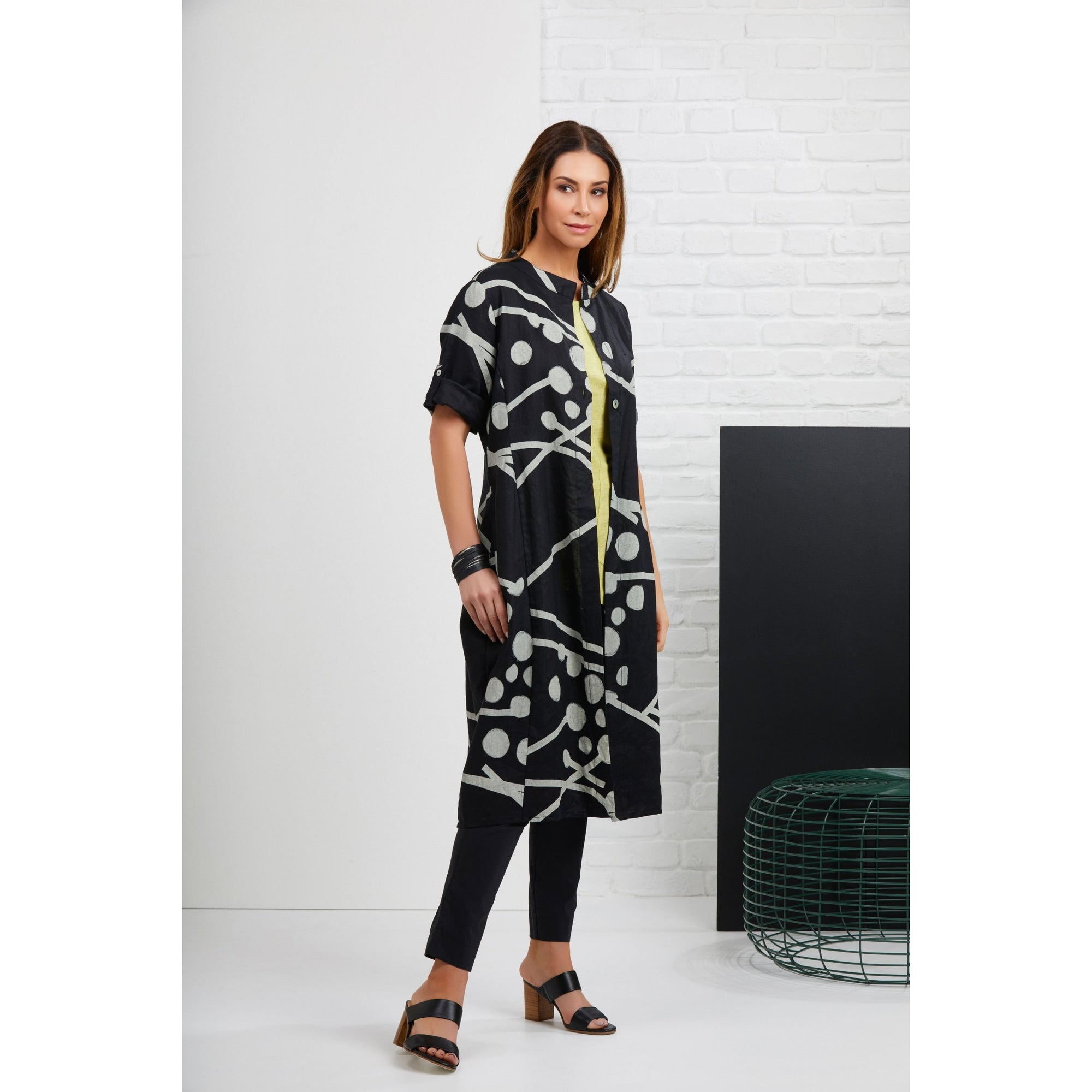 Foil Heavy Hitter Linen Duster Jacket in Kerplunk Black print.