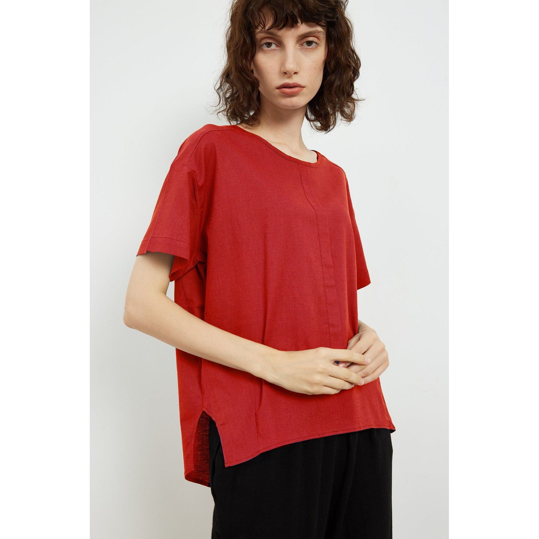 Tirelli Digital Curved Seam top in Red
