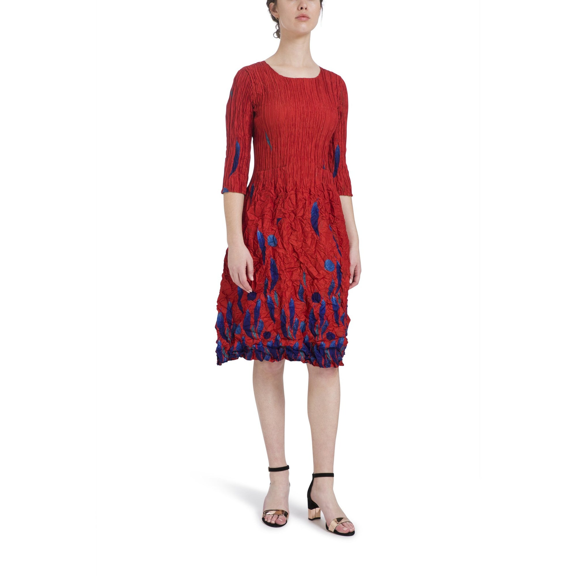 Alquema Three quarter sleeve Smash Dress in Red Gum Boarder print