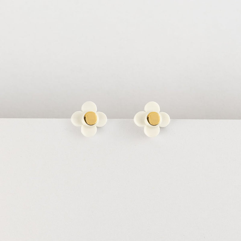 Erin Lightfoot Flower Stud White earrings