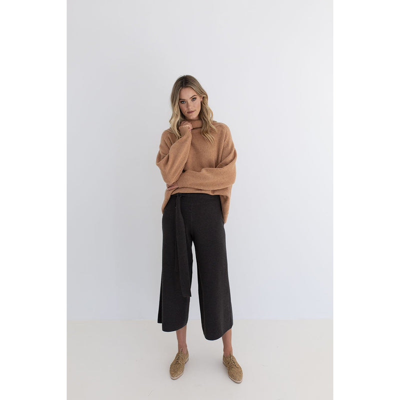 Humidity Harley Knit Pant in Black