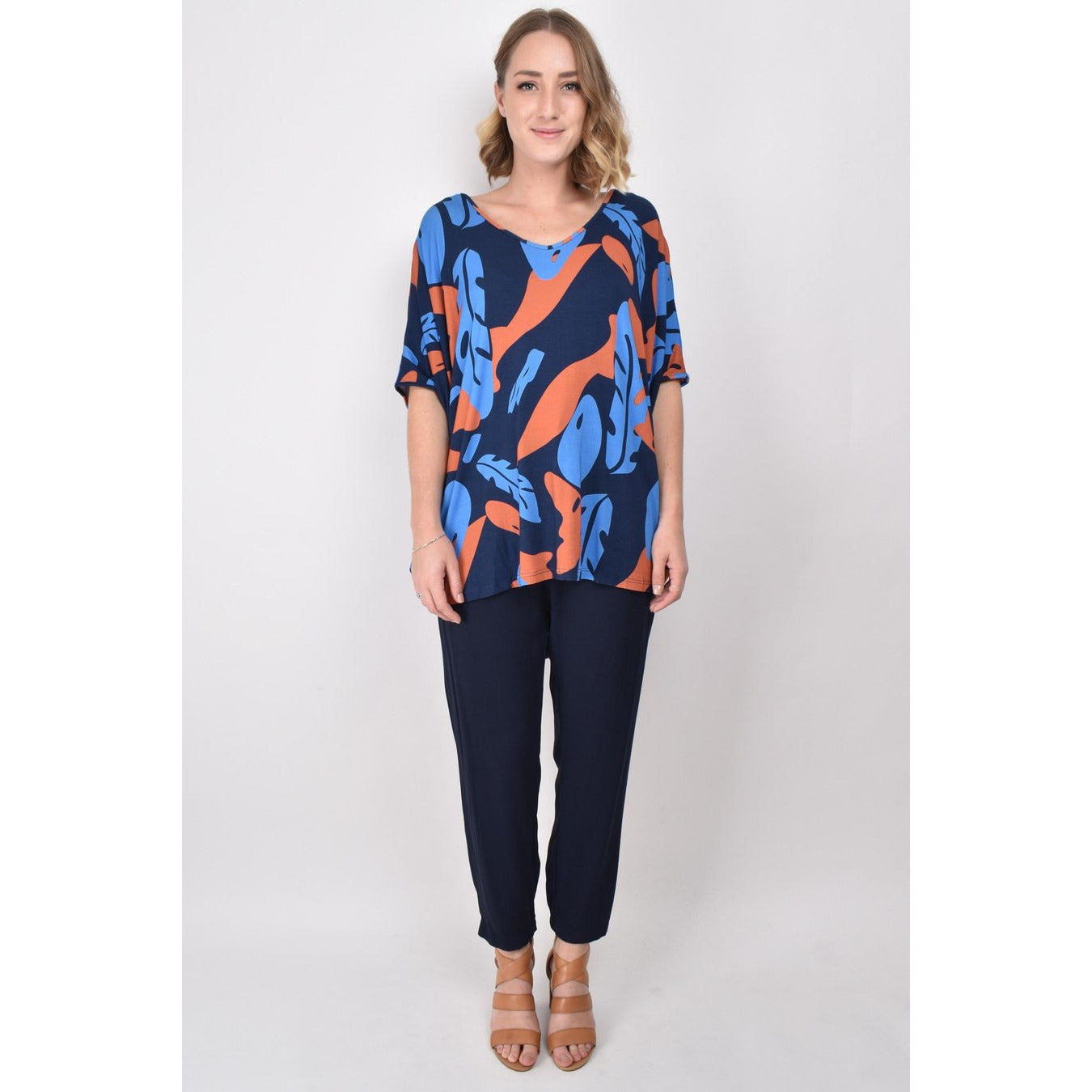 PQ COLLECTION Hi Low Miracle Top in Falling Leaves