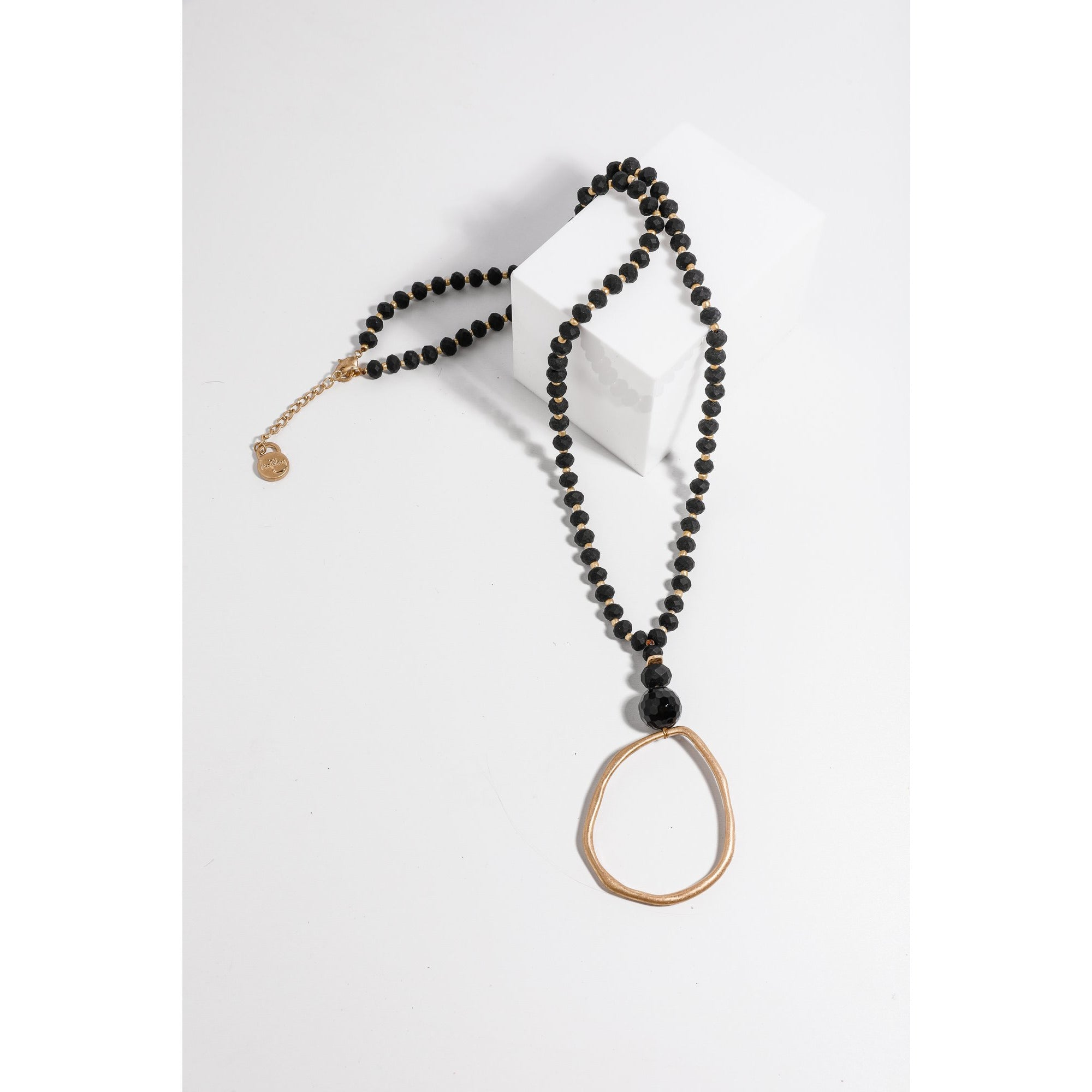 Holiday Clancy Necklace in Black