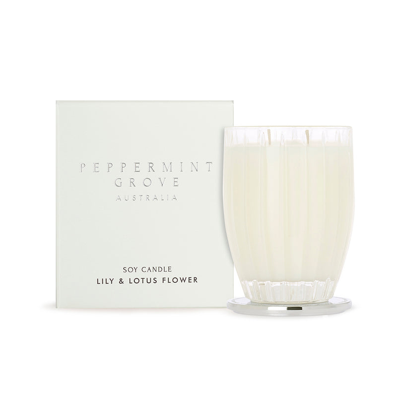 Peppermint Grove Lily & Lotus Flower Medium Candle