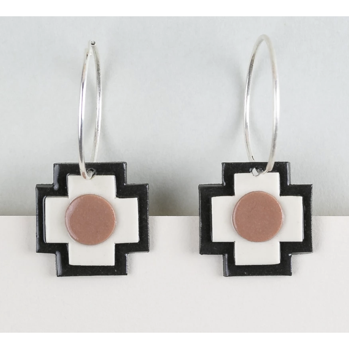 Erin Lightfoot Cross Hoop Brown earrings