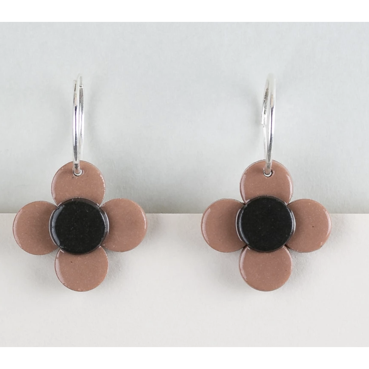 Erin Lightfoot Flower Hoop Brown earrings