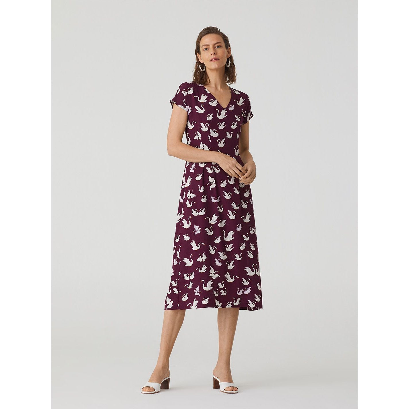 Nice Things Swan V Neck Midi Dress in Wine