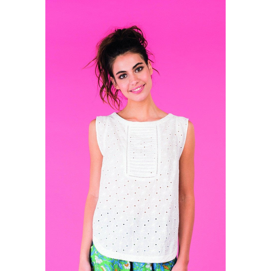Boom Shankar Tipti shift top in White