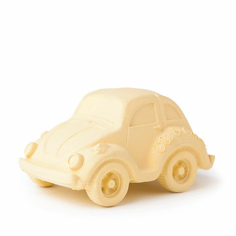 oli and carol retro rubber beetle car baby bath and teething toy in beige