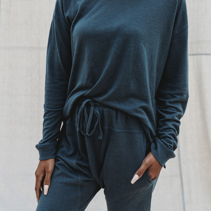 Woman - Weekender Pullover - Charcoal Luxe Bamboo Linen