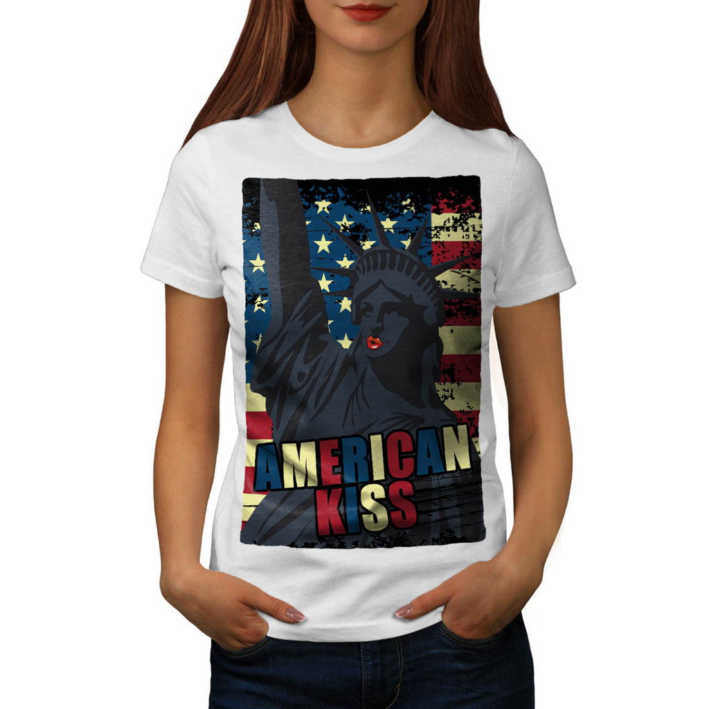 Liberty Statue Kiss Womens T-Shirt