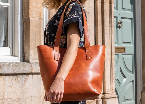Efficient And Sleek Leather Tote Bags