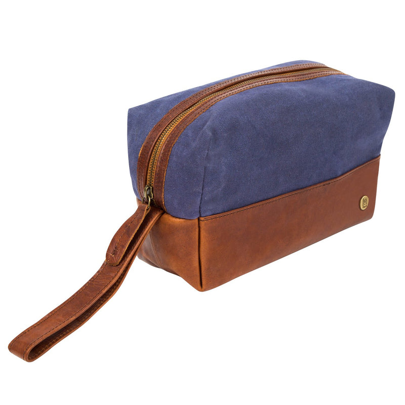 Navy Canvas Dopp Kitt