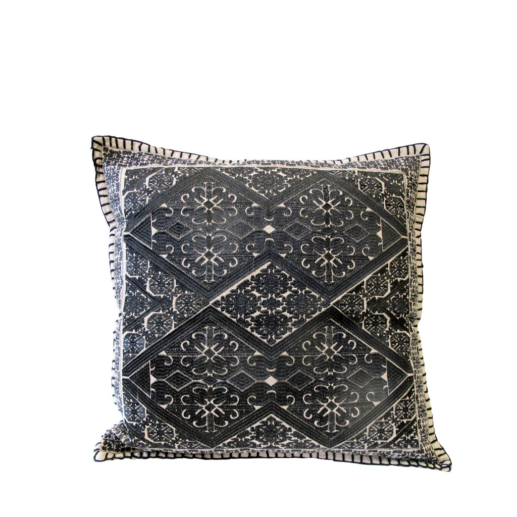 TRIBAL EMBROIDERY CUSHION SQUARE