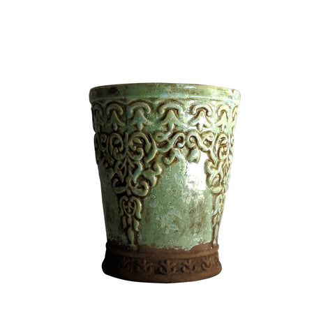 Dusty green pot