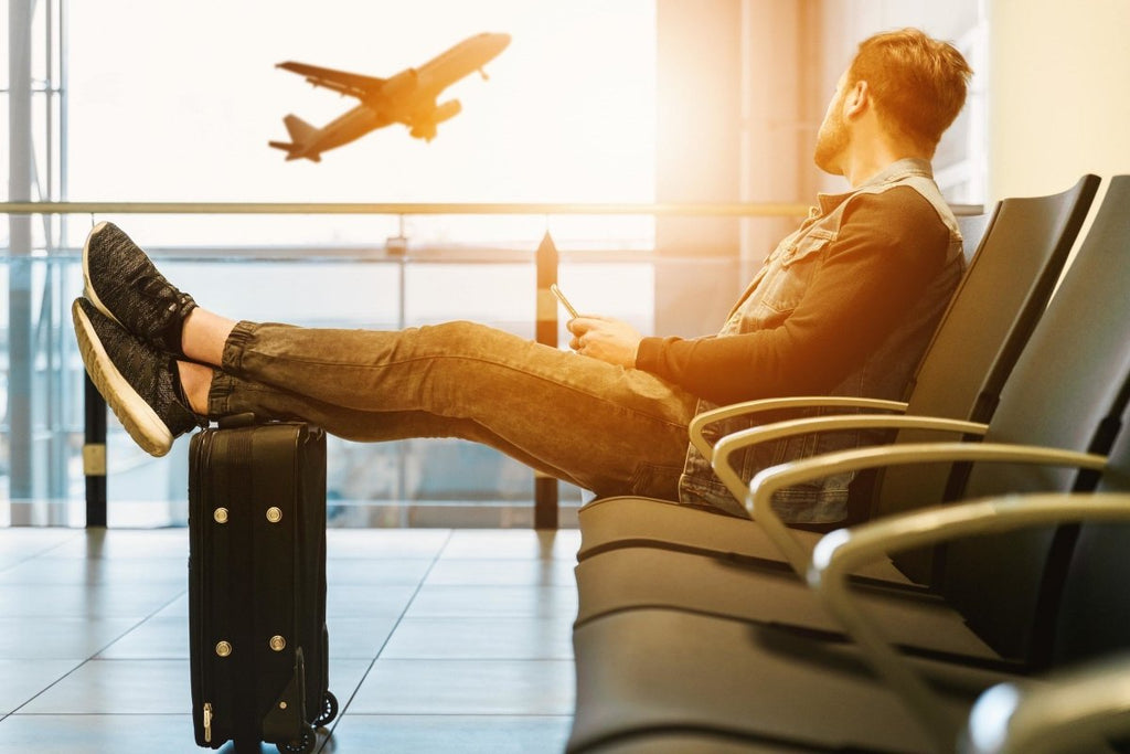 Frequent Flyer Tips For Staying Healthy On Long Flights | Clear Revive