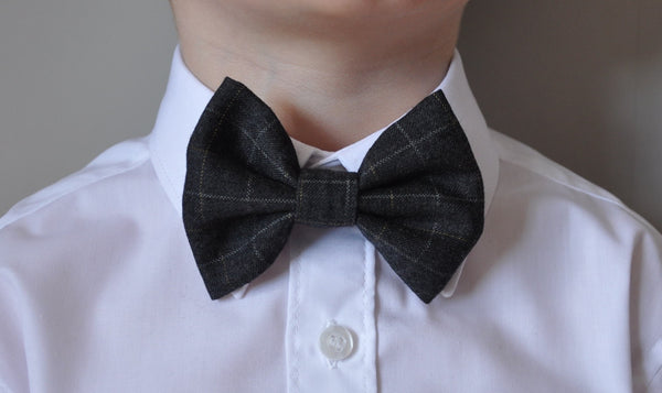 Boys grey bow tie, boys bow tie, mens bow tie, bow ties made to order, pageboy bow tie, groom bowtie - Mr banks