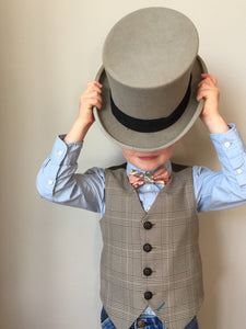 Boys waistcoat 5-6 years in a brown and cream dogtooth check 'Wonker' SALE £15