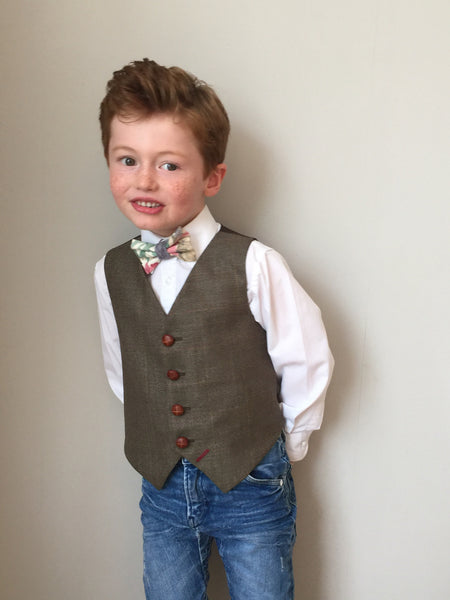 Boys waistcoat 5-6 years in a splendid brown check with hints of wacky reds and yellows 'Hatter' SALE £15