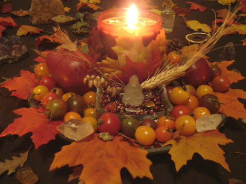 mabon altar - found on pinterest