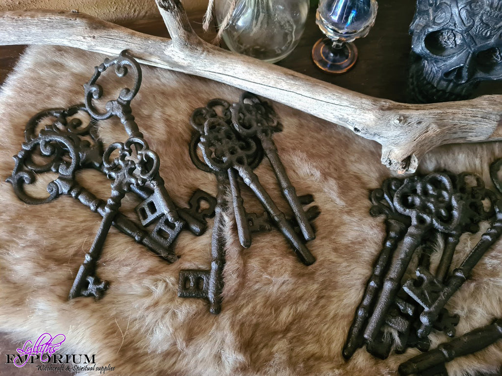 Cast Iron Key - assorted