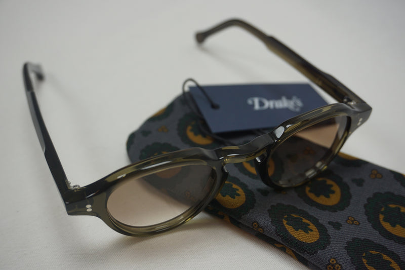 Drake's sunglasses