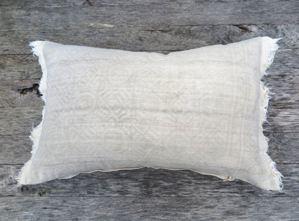 Cozy neutral pattern pillow - FOUND&MADE