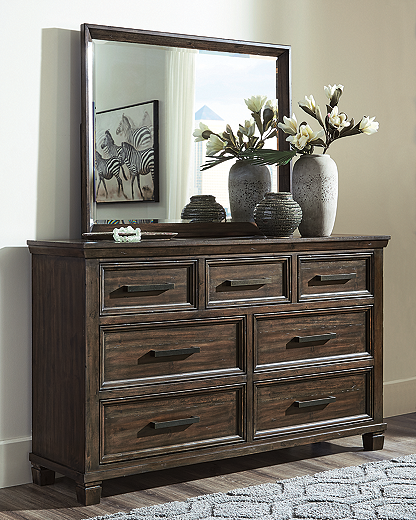 https://ashleyfurniture.scene7.com/is/image/AshleyFurniture/B762-31-36-10X8-CROP