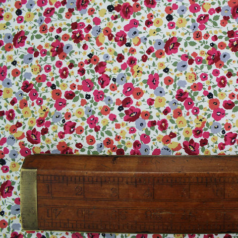 Printed Cotton - Strawberry Field - Cream