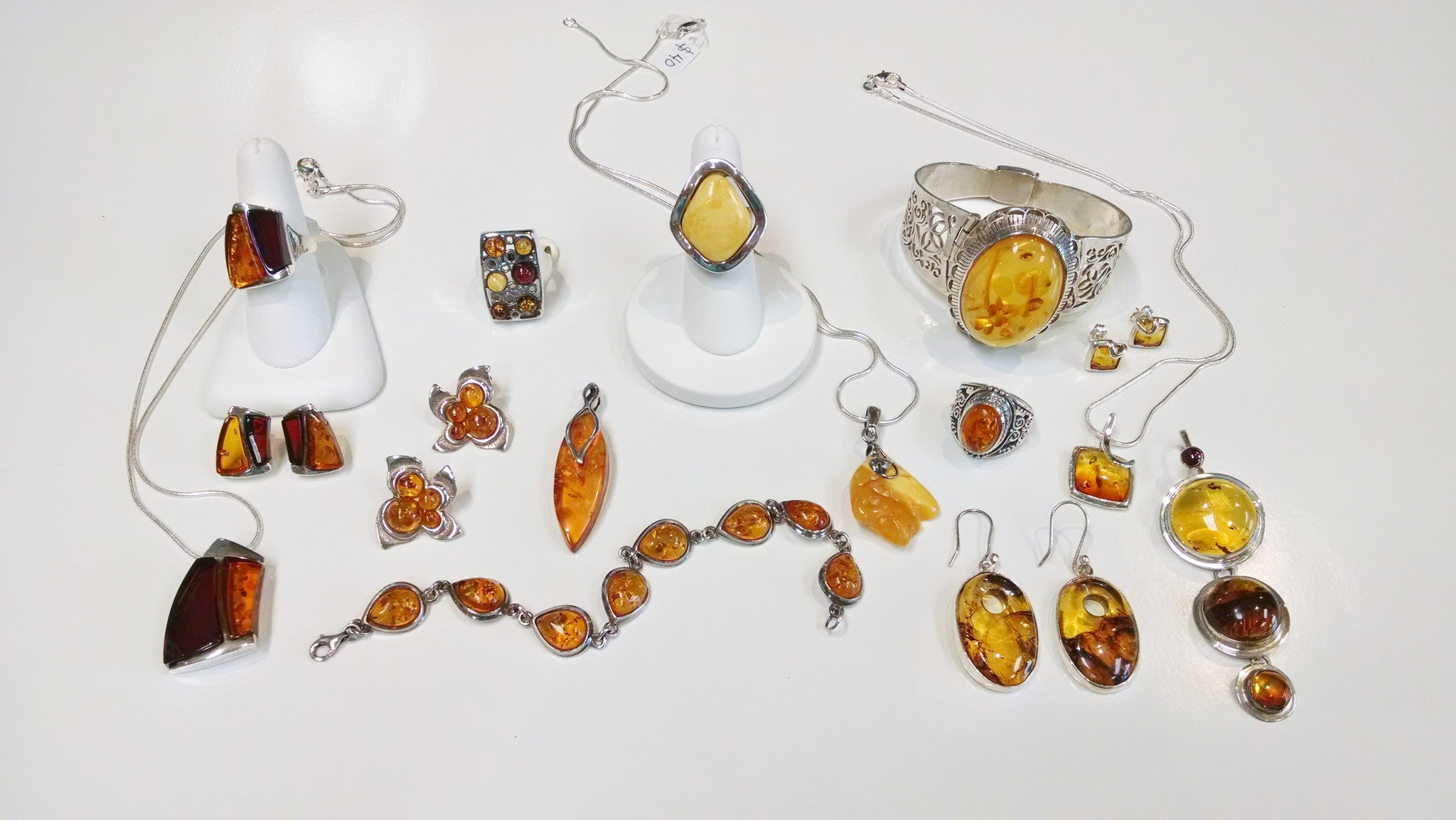 Amber Pendant with Weave Frame