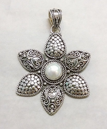 Pearl Pendant in Floral Design