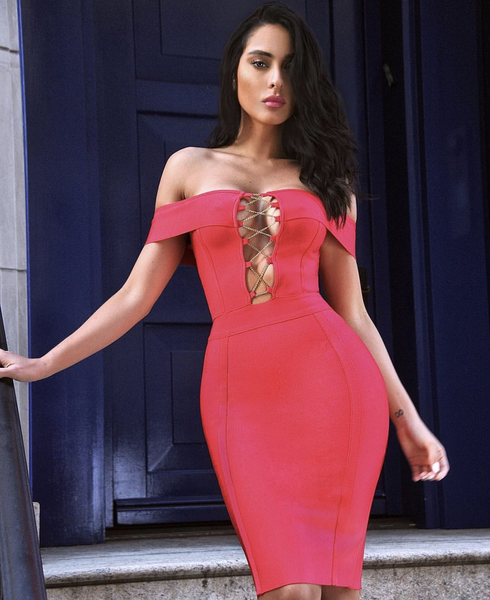 Glamour trendy red dress with gold chain details