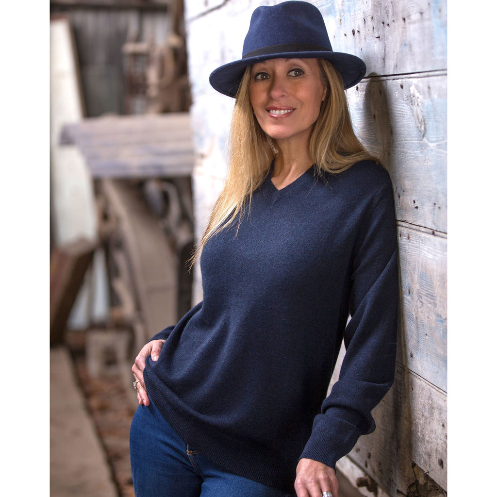 Women's Boyfriend Cashmere Vee Neck - Kitted in Cashmere